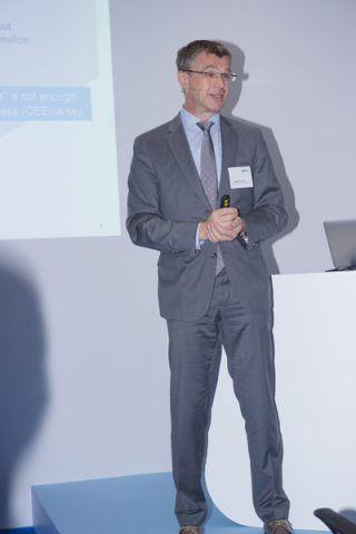 """Stephan Plenz, Vorstand Heidelberg Equipment der Heidelberger Druckmaschinen AG, der 100%-Muttergesellschaft von Gallus seit 2014 sprach zum Thema """"Innovation und Erfolg in der Etikettenproduktion"""""""