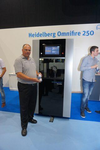 Ein besonderes Highlight der Innovation Days: Die Heidelberg Omnifire 250, eine digitale Lösung zur direkten Dekoration von dreidimensionalen Objekten