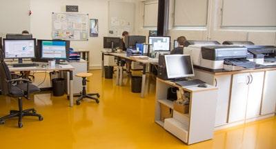 Blick in einen Teilbereich der COE-Prepress-Abteilung, wo streng nach höchsten Qualitätskriterien produziert wird