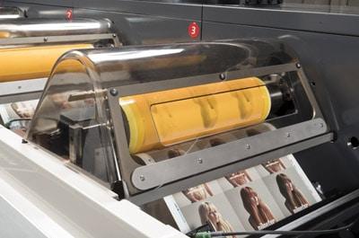 Beim Sleeve-Wechsel werden die Druckzylinder automatisch verriegelt