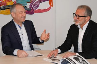 Klaus Dargahi (r.), Geschäftsführer smart-Tec und Andreas Schrägle (l.), Geschäftsführender Inhaber der Rathgeber-Gruppe