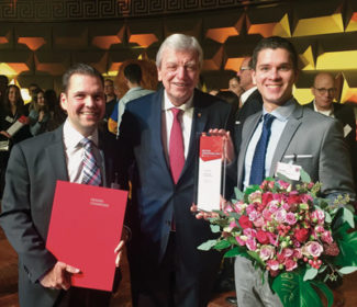 Preisverleihung im Wiesbadener Kurhaus (v.l.): Martin Kuge, Faubel, Volker Bouffier, Ministerpräsident Hessen und Sven Rath, Faubel