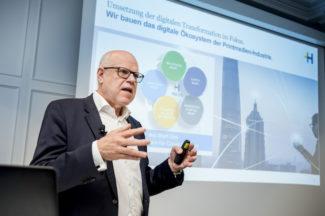 Heidelberg-Vorstandsvorsitzender Rainer Hundsdörfer (hier bei der Bilanzpressekonferenz 2018/19) will die digitale Transformation des Unternehmens vorantreiben