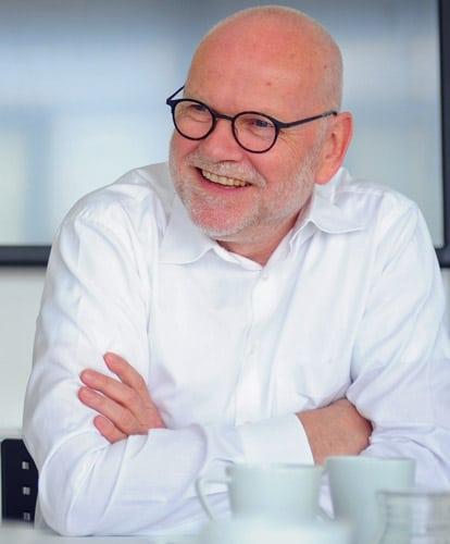 """Dr. Thomas Baumgärtner: """"Das eine Etikett der Zukunft wird es nicht geben, dafür tun sich jedes Jahr viel zu viele neue Anwendungsmöglichkeiten auf."""""""