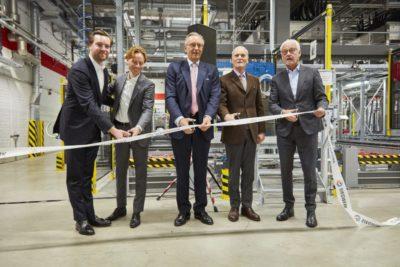 von links nach rechts: Georg Keller, Dr. Jan Breitkopf (Präsident EMEA), Herbert Forker (CEO Siegwerk), Alfred Keller (Aufsichtsratsvorsitzender Siegwerk) und Franz Huhn (Bürgermeister der Stadt Siegburg.