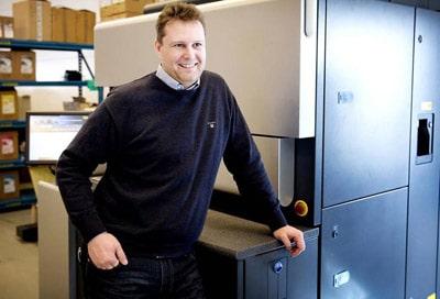 """""""Die EDI-Anbindung macht Haftmaterial-Bestellungen bei Herma für uns bequemer und sicherer"""" – Johan Ripa, Geschäftsführer LariTryck (Quelle: Herma)"""