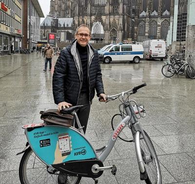 Außendienst ohne Auto. Da muss Martin Voigt dann schonmal auf das Fahrrad zurückgreifen (Quelle: Martin Voigt)