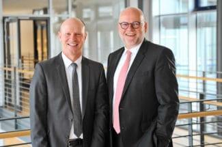 Herma-Geschäftsführer Sven Schneller (links) und Dr. Thomas Baumgärtner (Quelle: Herma)
