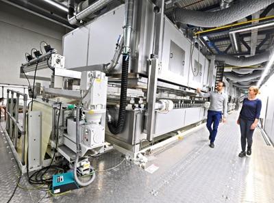 Mit dem neuen Werk steigert Herma die jährliche Haftmaterial-Kapazität um 50 Prozent auf 1,2 Milliarden Quadratmeter (Quelle: Herma)