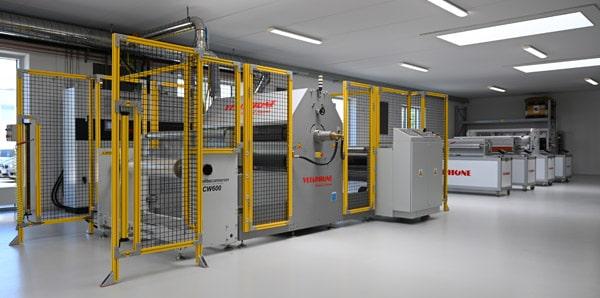 Die neue Hightech-Laboreinrichtung in Dänemark bietet Corona- und Plasma-Rolle-zu-Rolle-Tests von Substraten zur genauen Simulation der kommerziellen Produktion (Quelle: Vetaphone)