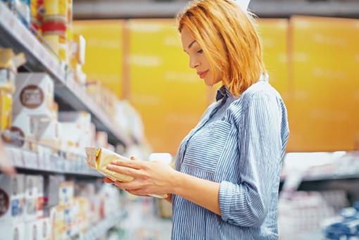 Die Studie zeigt, dass gestiegenes bewusstes Konsumentenverhalten Unternehmen antreibt, Nachhaltigkeit transparent in den Geschäftsbetrieb zu integrieren (Quelle: obs/Smurfit Kappa Deutschland GmbH)