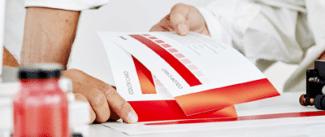 Die GMG Color Card trägt dazu bei, qualitative Schwankungen im Druck zu vermeiden und den gleichen Farbeindruck auf verschiedenen Materialien zu unterstützen (Qelle: GMG)