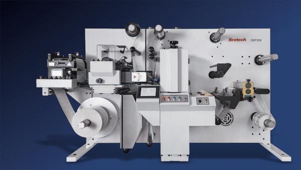 Das Brotech Finishing-System CDF-330 – in Europa vertrieben durch PrintsPaul, Eschweiler – ist eine kompakte und modulare konzipierte Lösung (Quelle: PrintsPaul)