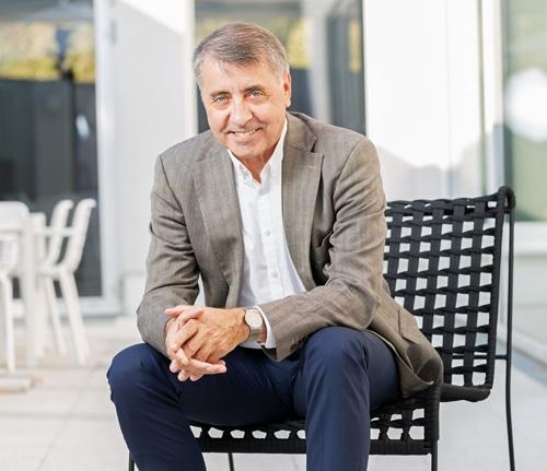 Nach 32 Jahren geht Harry Reuter in den Ruhestand. Die Nachfolge bei Robos ist jedoch gesichert (Quelle: Robos)