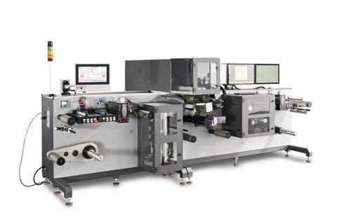 Blick auf die komplette PS-250 RFID Personalisierungsmaschine von F+V (Quelle: F+V)