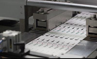 Zu den wichtigsten Produkten bei Felga gehören Kunststoffetiketten für die grüne Branche (Quelle: Felga Etiketten)