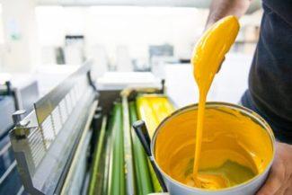Neue Farbserie von Zeller+Gmelin für die LED-UV-Anwendung im Commercial- und Non-Food-Verpackungsdruck (Quelle: Zeller+Gmelin)