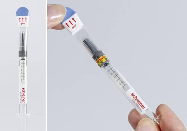 Bei der neuen Kennzeichnungslösung umschließt das Syringe-Closure-Wrap Label den Spritzenkörper und die komplette Kappe (Quelle: Schreiner Group)
