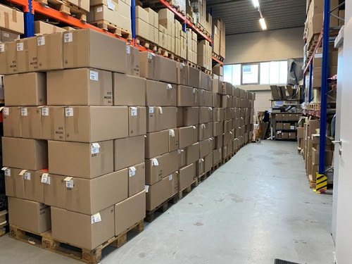AJK-Etiketten lieferte innerhalb von 3 Wochen mehrere hundert Etikettendrucker an Impfzentren (Quelle: AJK)
