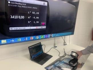 Starke Weißkraft selbst bei hohen Druckgeschwindigkeiten bietet das neue SuperWhite für die PicoJet-Digitaldruckmaschinen (Quelle: Dantex)