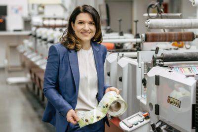 """Carolin Banerjjee: """"Als Teil der Unternehmenskultur möchte ich weiterhin dazu beitragen, meine Begeisterung für die Industrie mit anderen Frauen zu teilen."""" (Quelle: Norbert Rabe KG)"""