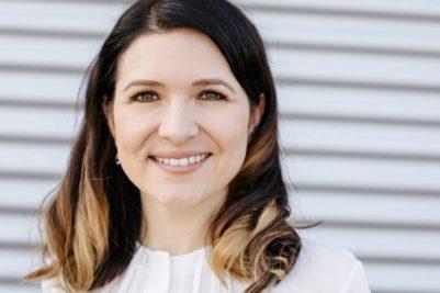 """Carolin Banerjjee: """"Als Unternehmen sind wir ein gleichberechtigter Arbeitgeber - und stolz darauf, dass heute 48% unserer MitarbeiterInnen Frauen sind."""" (Quelle: Norbert Rabe KG)"""