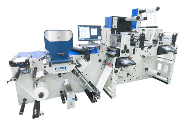 Die dFlex von Focus Label Machinery ist jetzt auch mit einem semirotativen Standwerk bei Grafische Systeme erhältlich (Quelle: Focus Label Machinery)