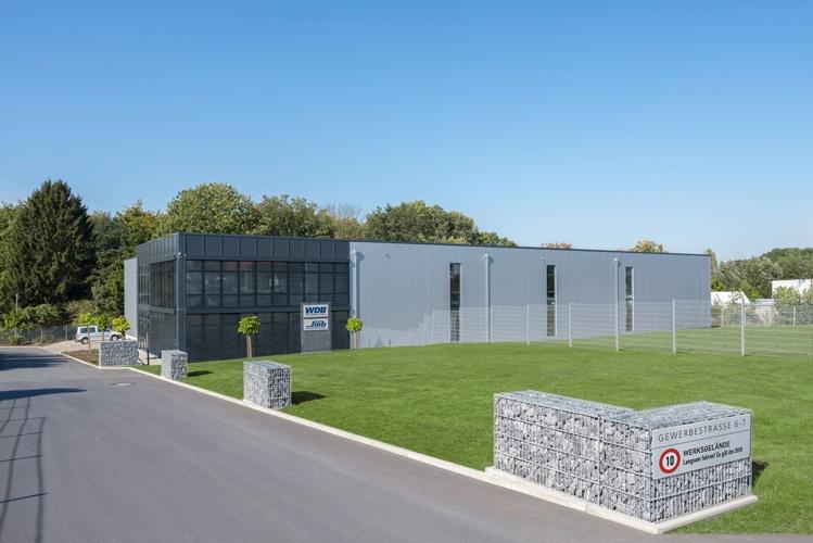 Die WDB Systemtechnik GmbH ist ein Unternehmen mit rund 20 Mitarbeitern und seit 1995 in Enger ansässig (Quelle: WDB Systemtechnik)