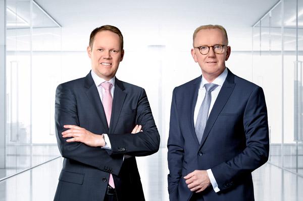 Der Vorstand der technotrans SE Peter Hirsch (l.) und Michael Finger erwartet auch weiterhin einen positiven Geschäftsverlauf (Quelle: technotrans)