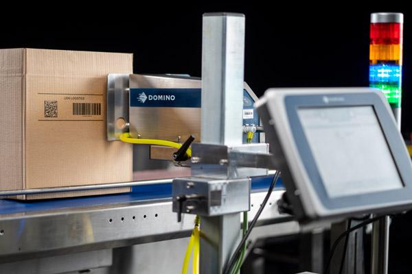 Big on Boxes: Der neue Großzeichendrucker Cx350i (Quelle: Domino Deutschland)