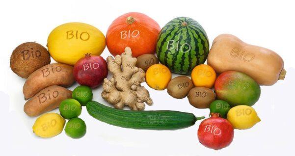 """Beim so genannten """"Smart Branding"""" bringt ein hochauflösender Laser Elemente wie Schrift und Logo auf Früchten auf (Quelle: Edeka)"""