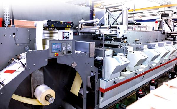 NTE verfügt neben der Mouvent-Digitaldruckmaschine auch über konventionelle Bobst-Flexotechnologie (Quelle: Bobst)