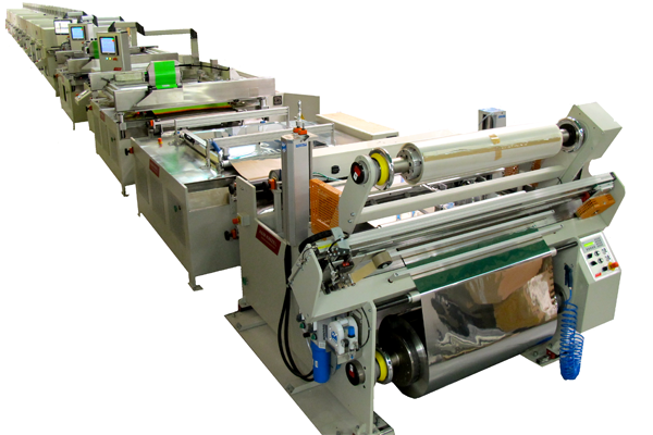Rolle zu Rolle Zwei-Farben-Siebdrucklinie für gedruckte flexible Solar-Produkte (Quelle: Kinzel)